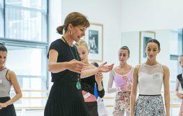 Darcey Bussell teaching in Upper School studio